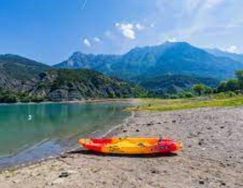 Lac de serre en camping car - activité