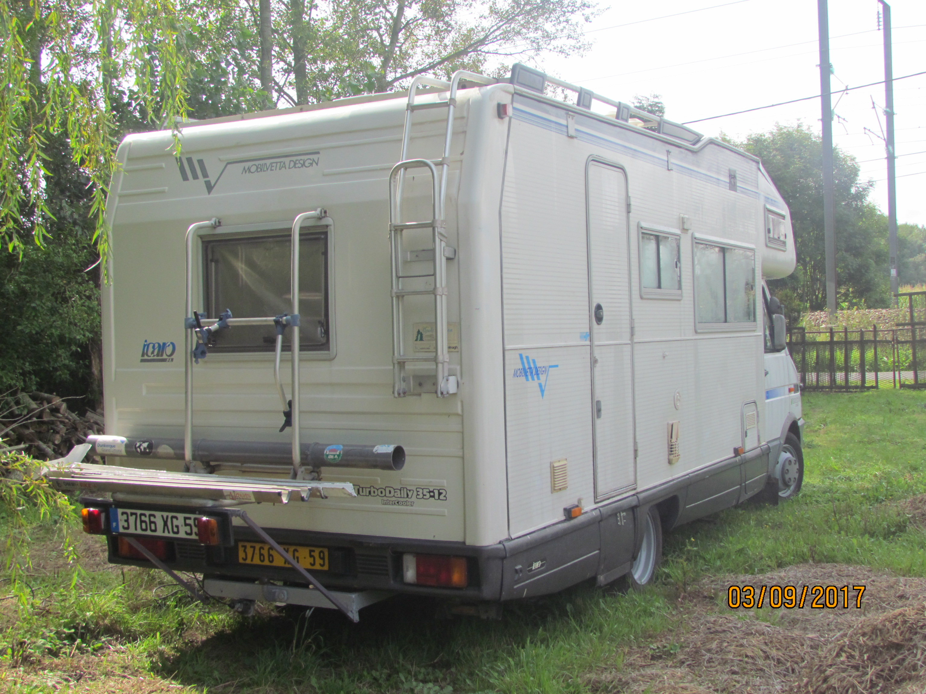 camping-car MOBILVETTA ICARO - IVECO  35.12  extérieur / arrière
