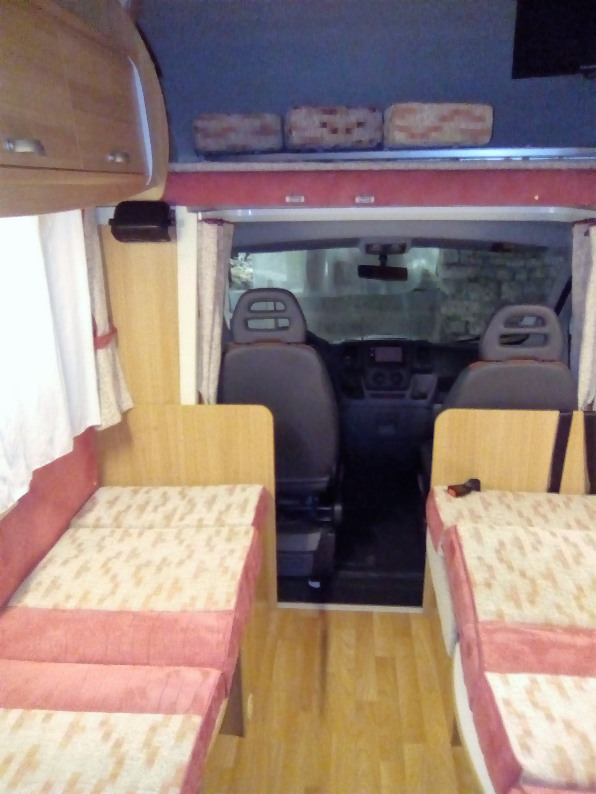 camping-car RIMOR EUROPEO 6  intérieur / autre couchage