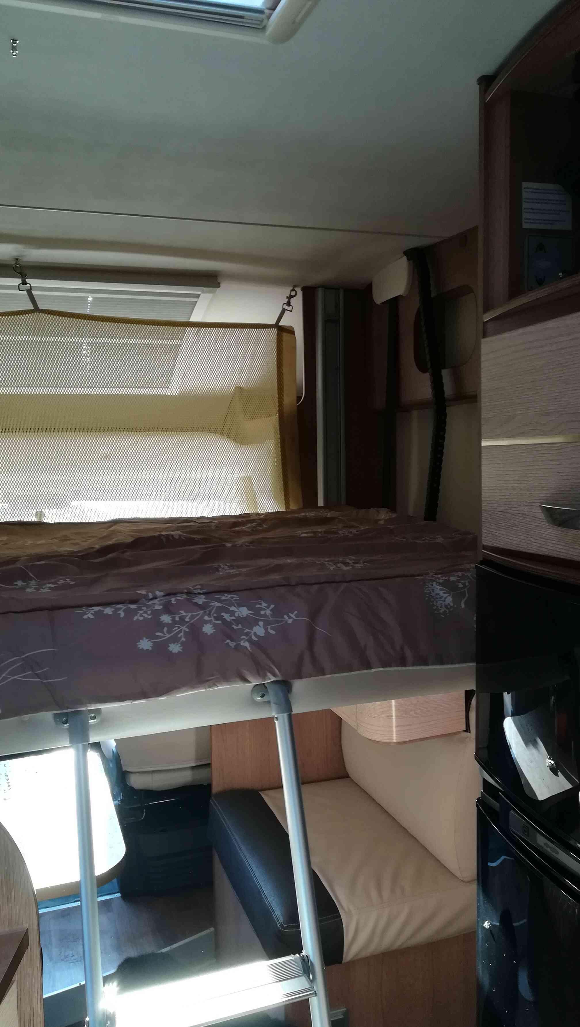 camping-car MC LOUIS MCA 74G  intérieur / autre couchage