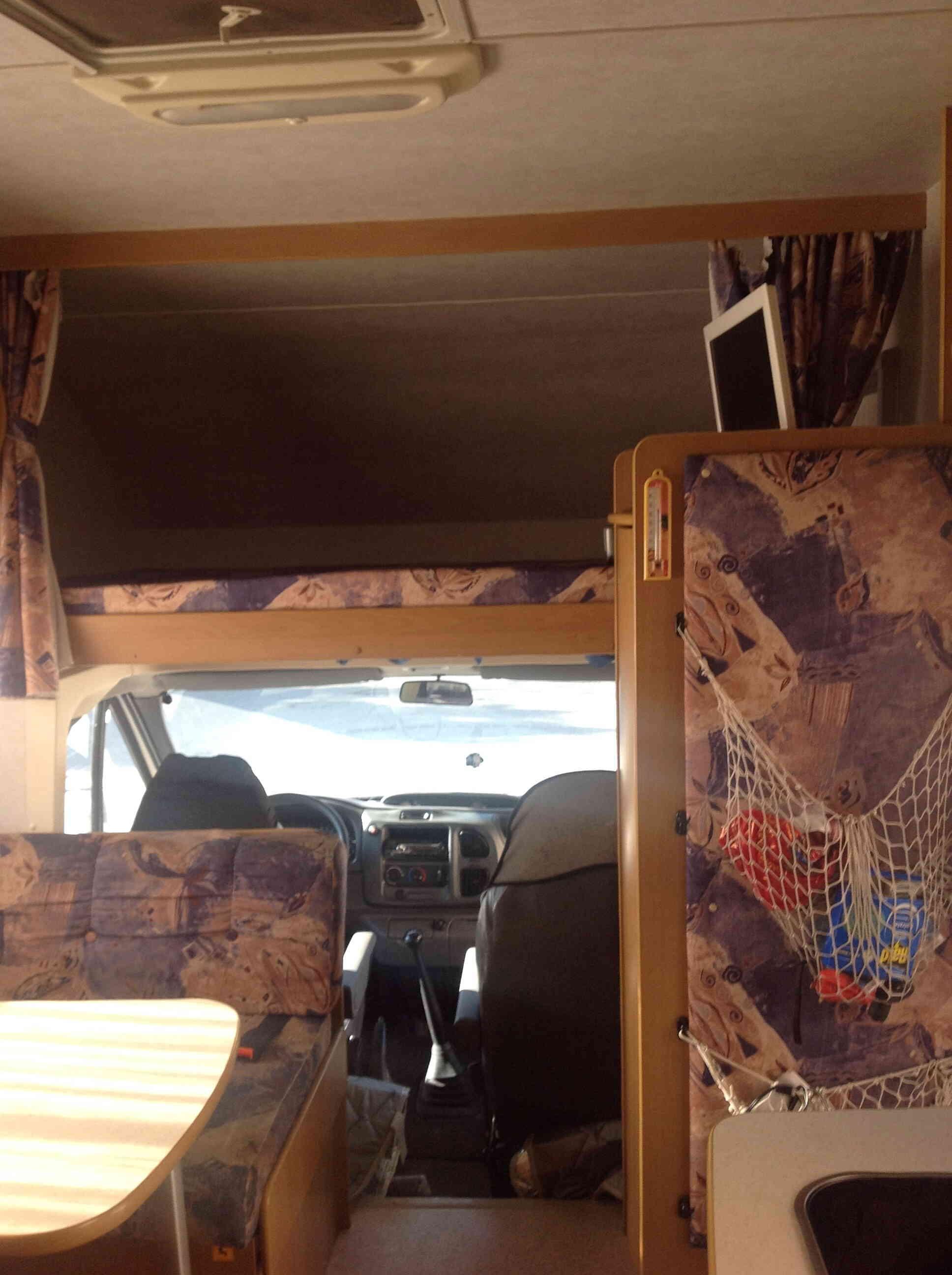 camping-car RIMOR EUROPEO NG 5  intérieur / coin salon