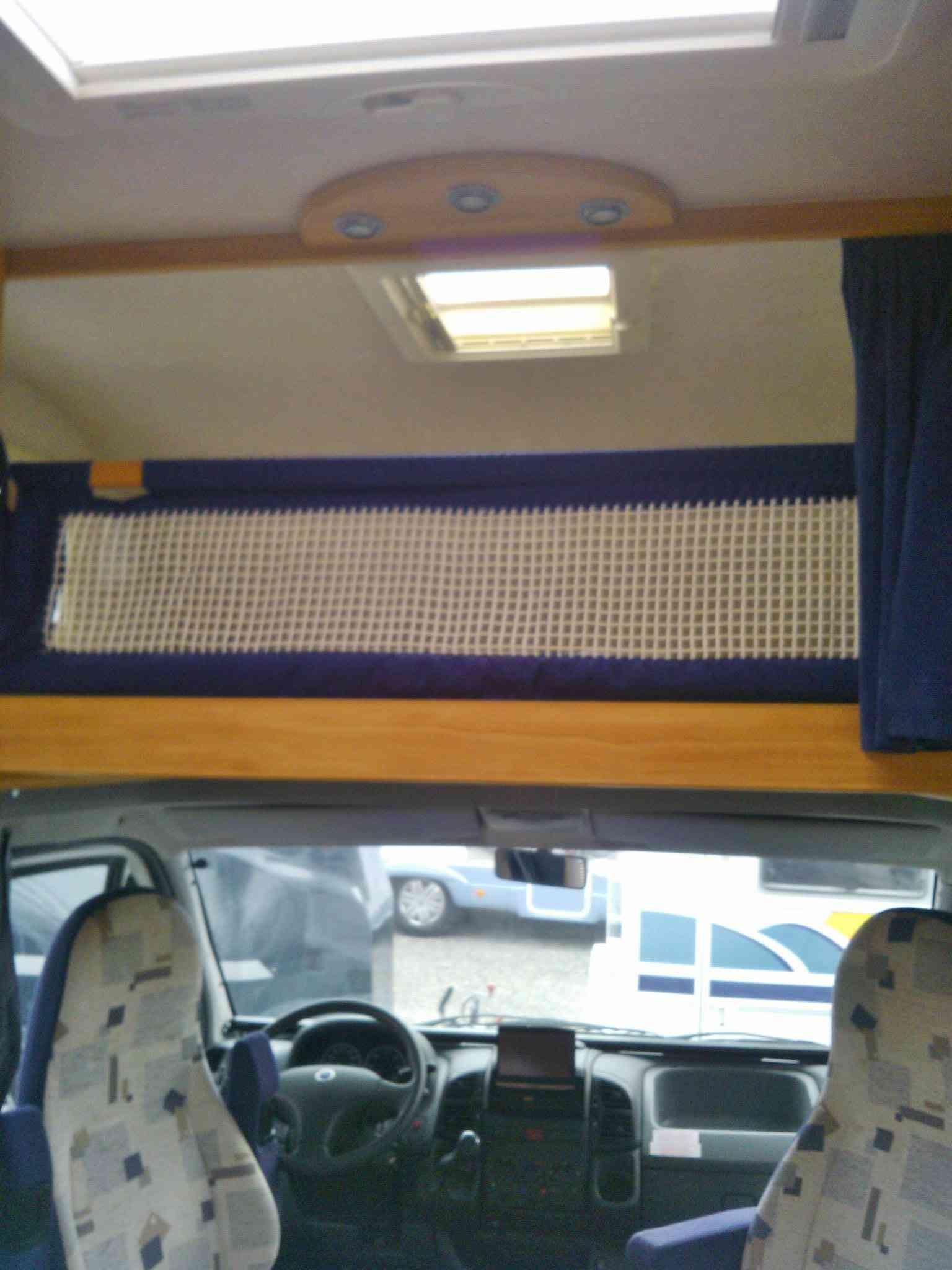 camping-car ADRIA  660 SP  intérieur / autre couchage