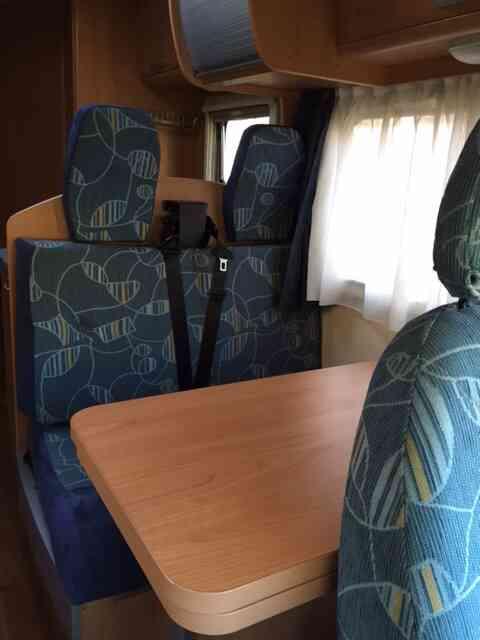 camping-car TRIGANO  ELLIOT 55  intérieur  / coin cuisine