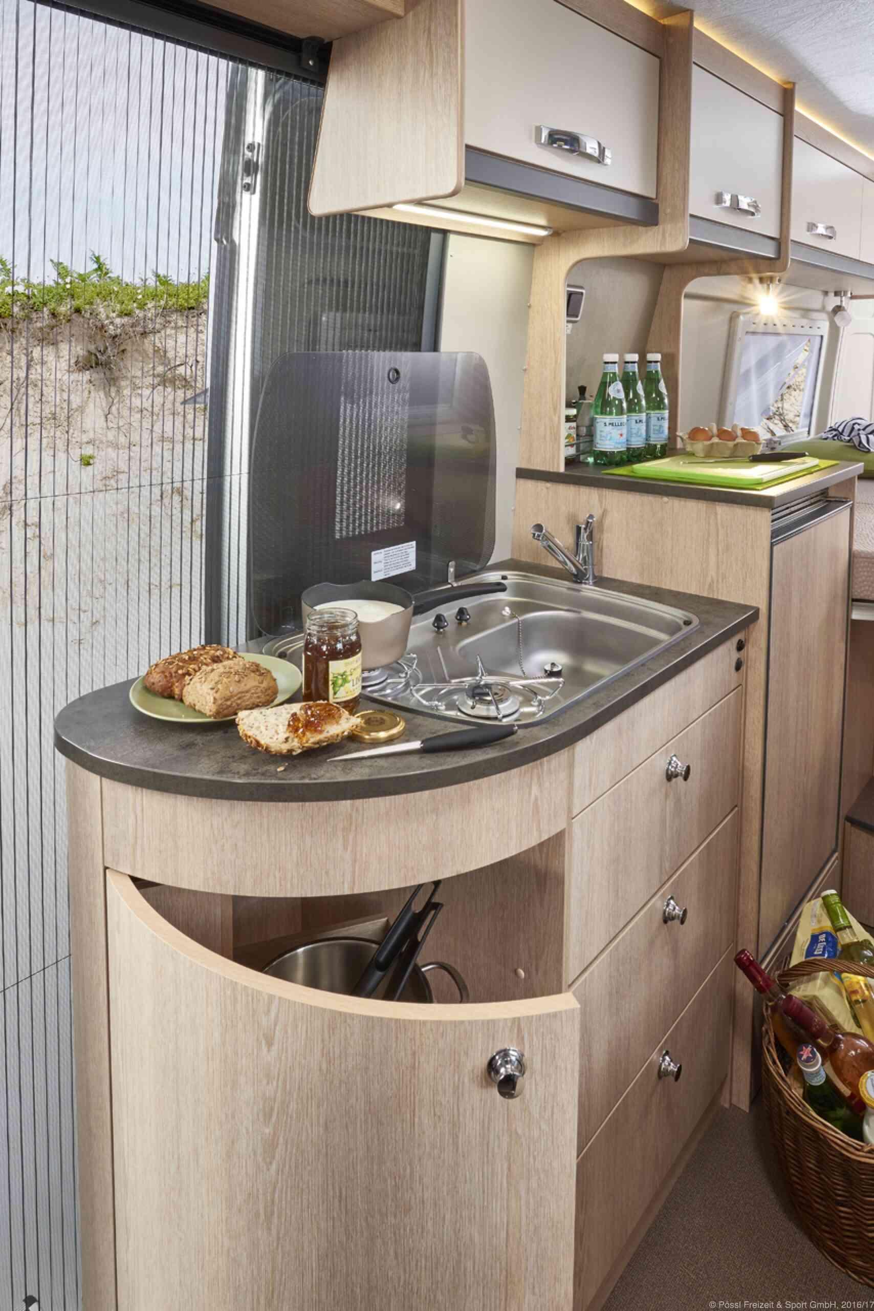 camping-car GLOBECAR SUMMIT 640  extérieur / arrière