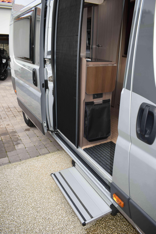camping-car POSSL ROADSTAR 640 DK  extérieur / arrière