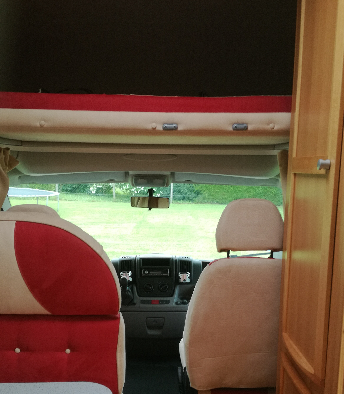 camping-car MC LOUIS  YEARLING 426  intérieur / autre couchage