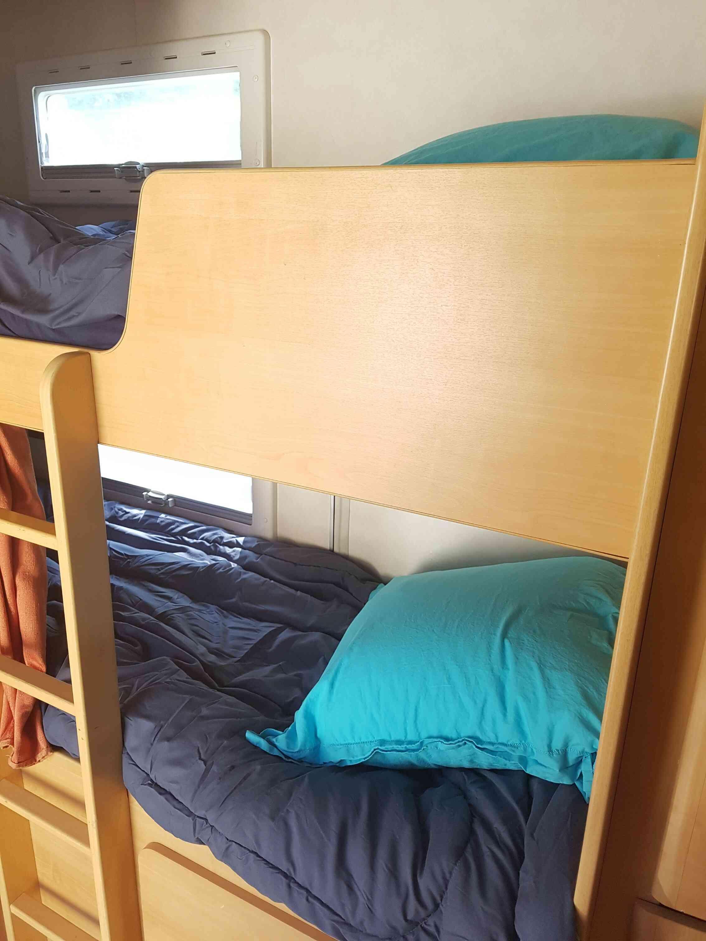 camping-car CHAUSSON WELCOME 6  intérieur / autre couchage