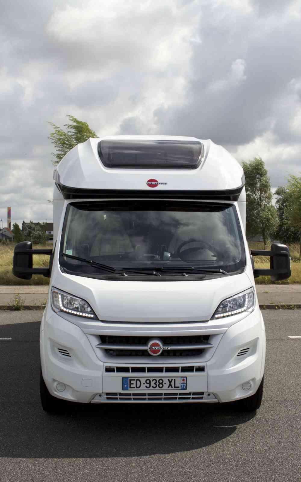 camping-car BURSTNER IXEO IT 734  extérieur / latéral gauche