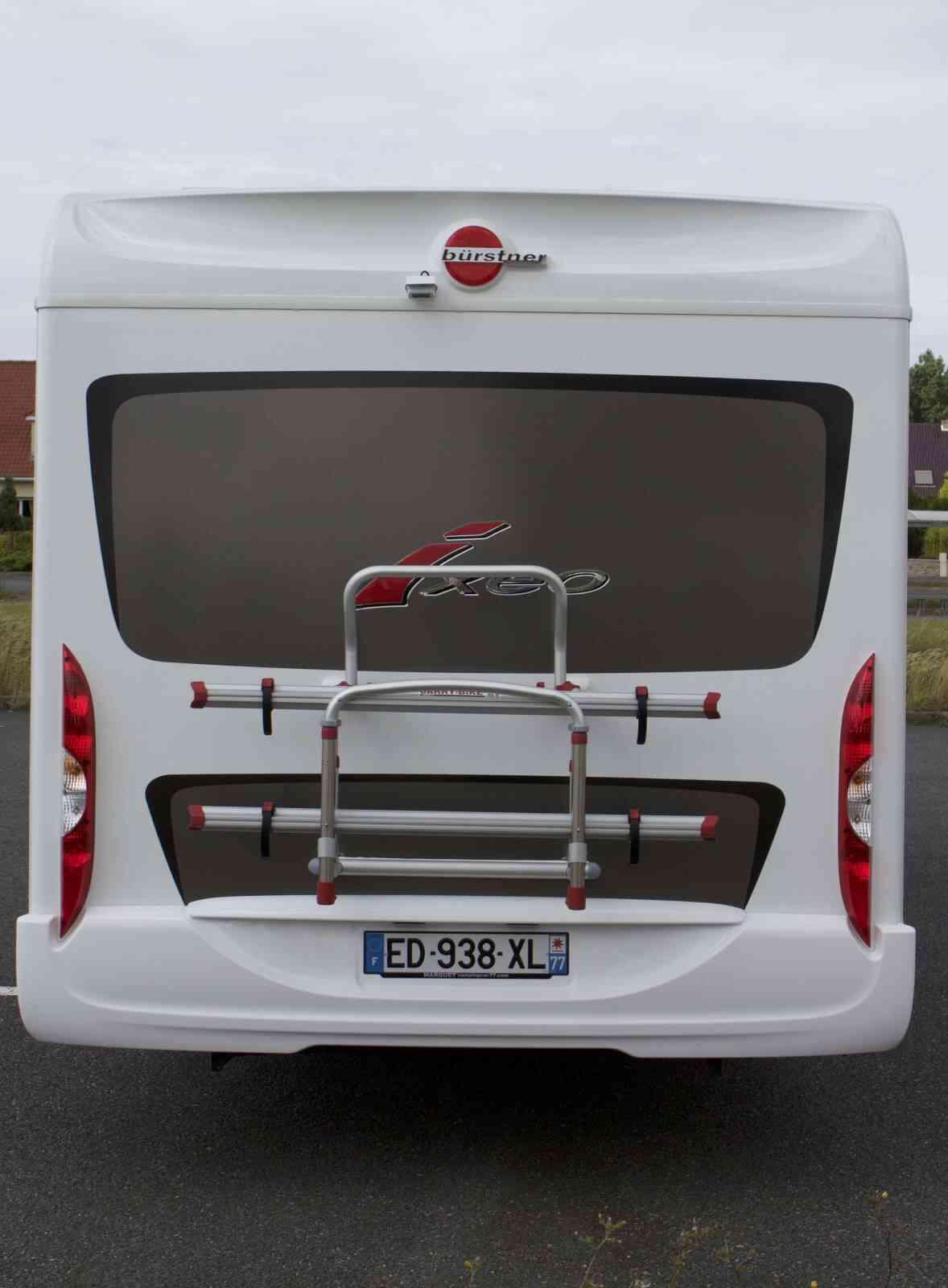 camping-car BURSTNER IXEO IT 734  intérieur / coin salon