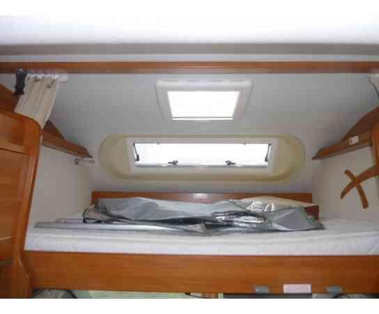 camping-car FIAT DUCATO LAIKA X 700  intérieur  / coin cuisine