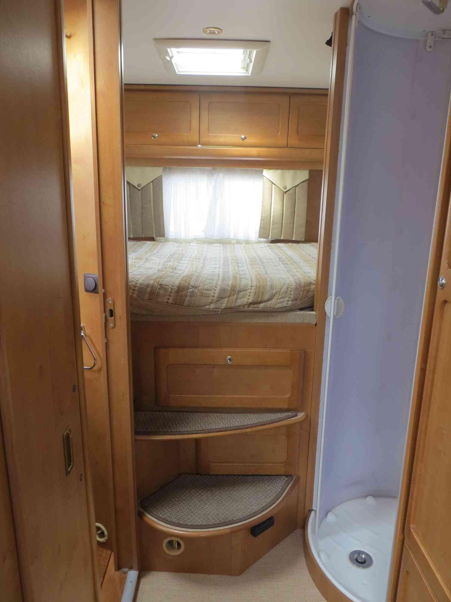 camping-car RAPIDO 9097 F  intérieur / autre couchage