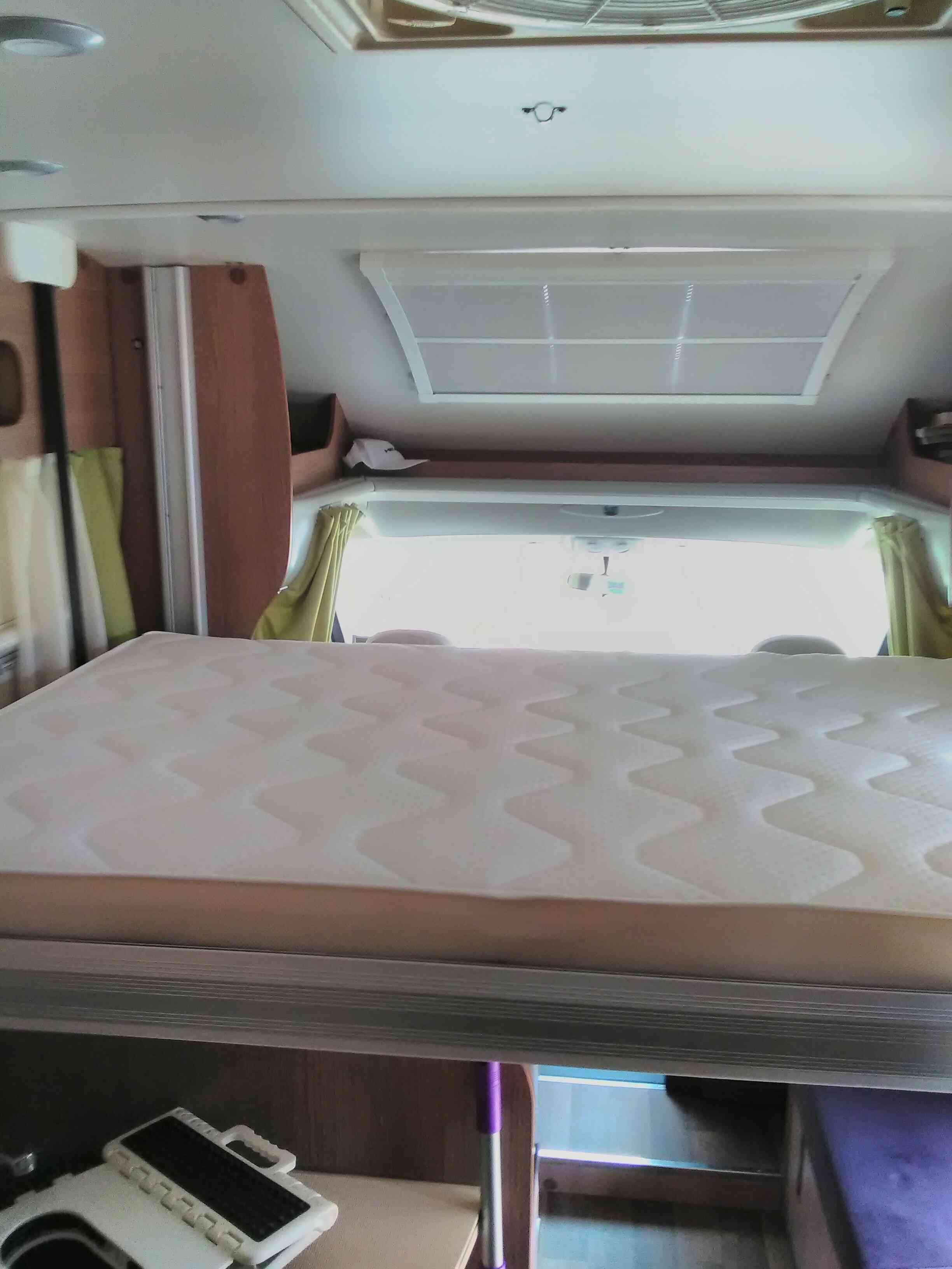 camping-car MC LOUIS   MC2 77  intérieur / autre couchage
