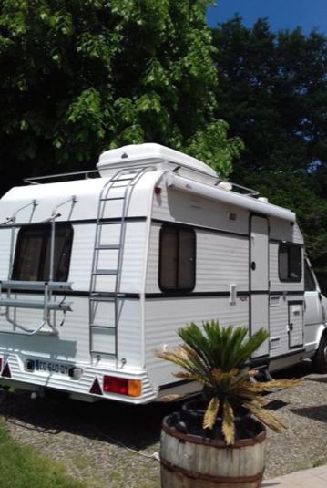 camping-car PILOTE R 640 PEUGEOT J5  extérieur / latéral gauche