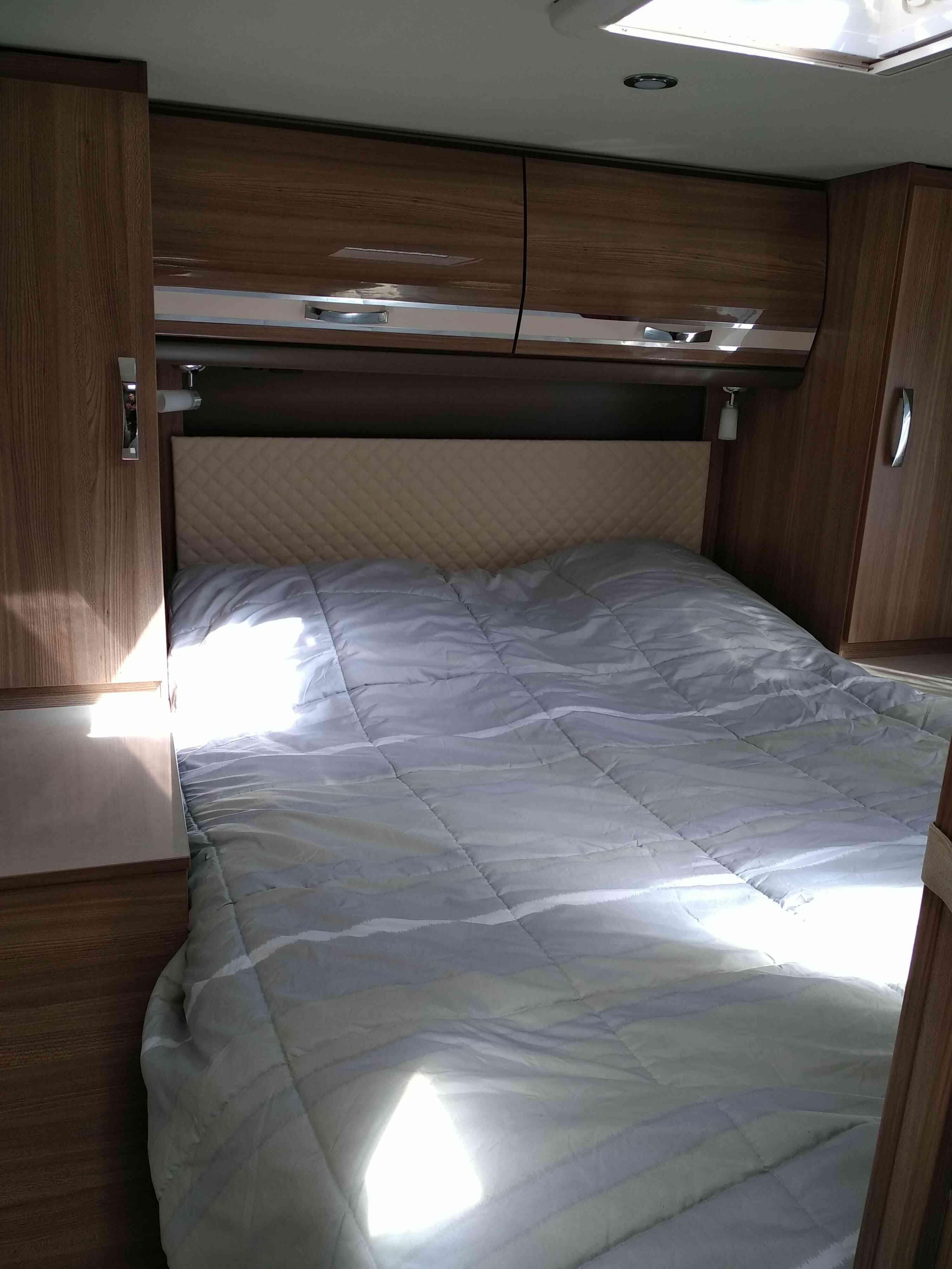 camping-car RAPIDO 881 F  intérieur / autre couchage