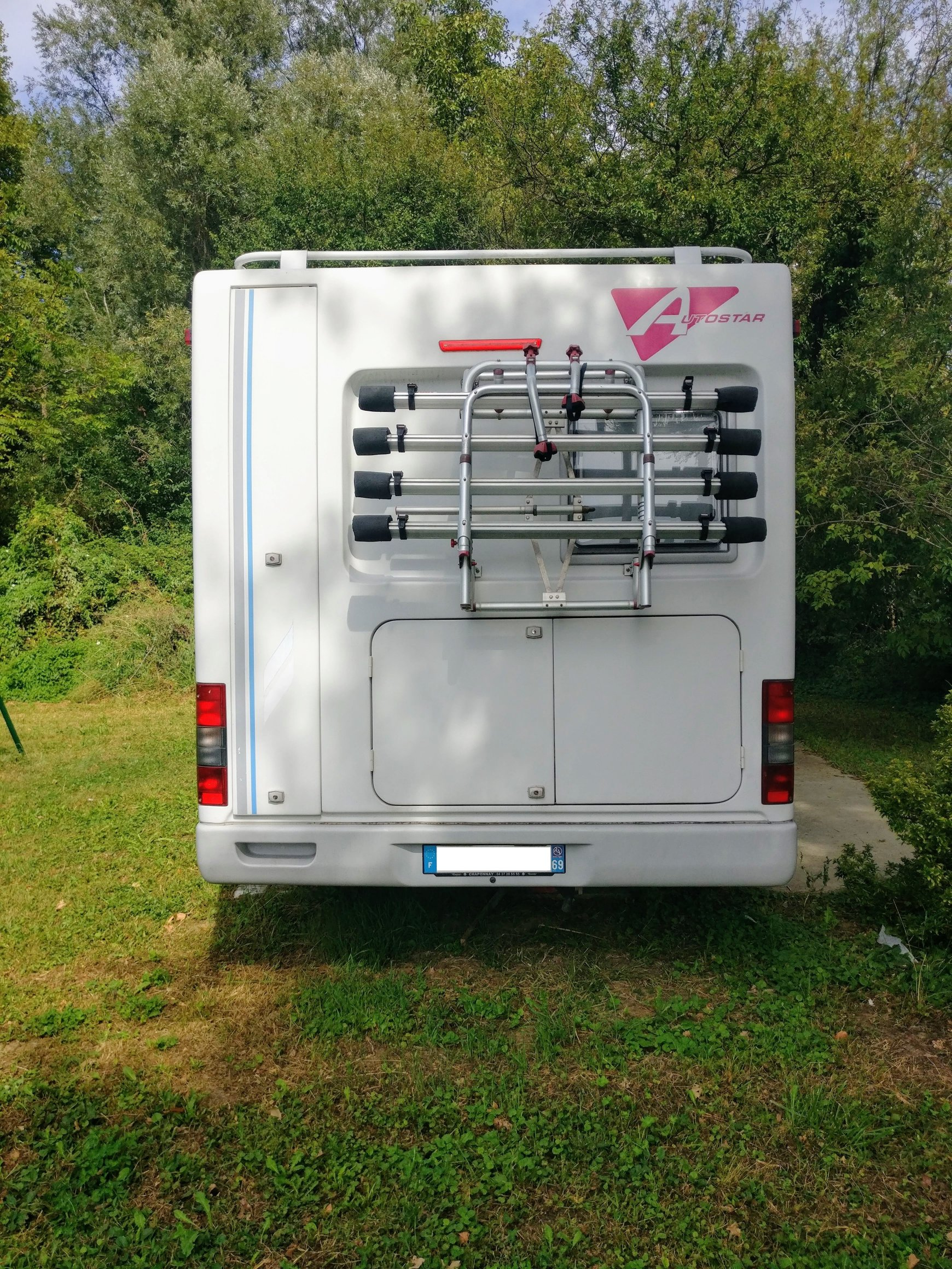 camping-car AUTOSTAR ATHENOR 547  intérieur / coin salon