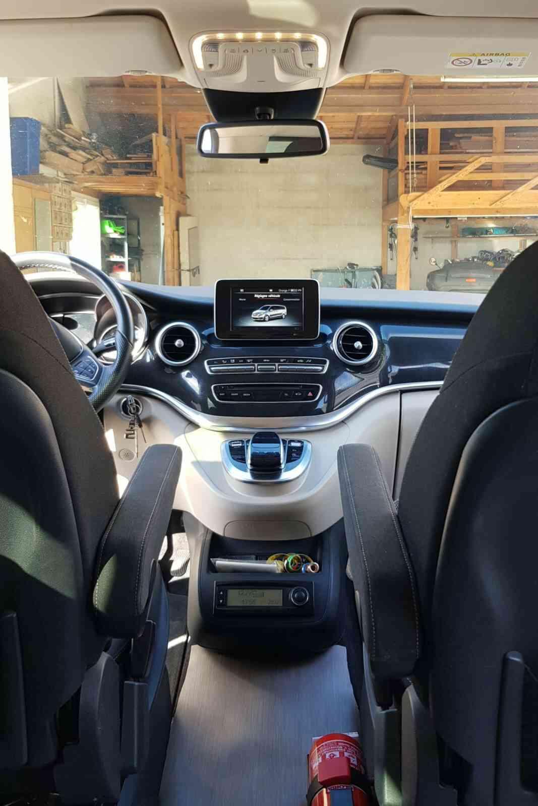camping-car Mercedes Classe V Marco Polo V250 boîte auto 7G-Tronic plus  intérieur / soute