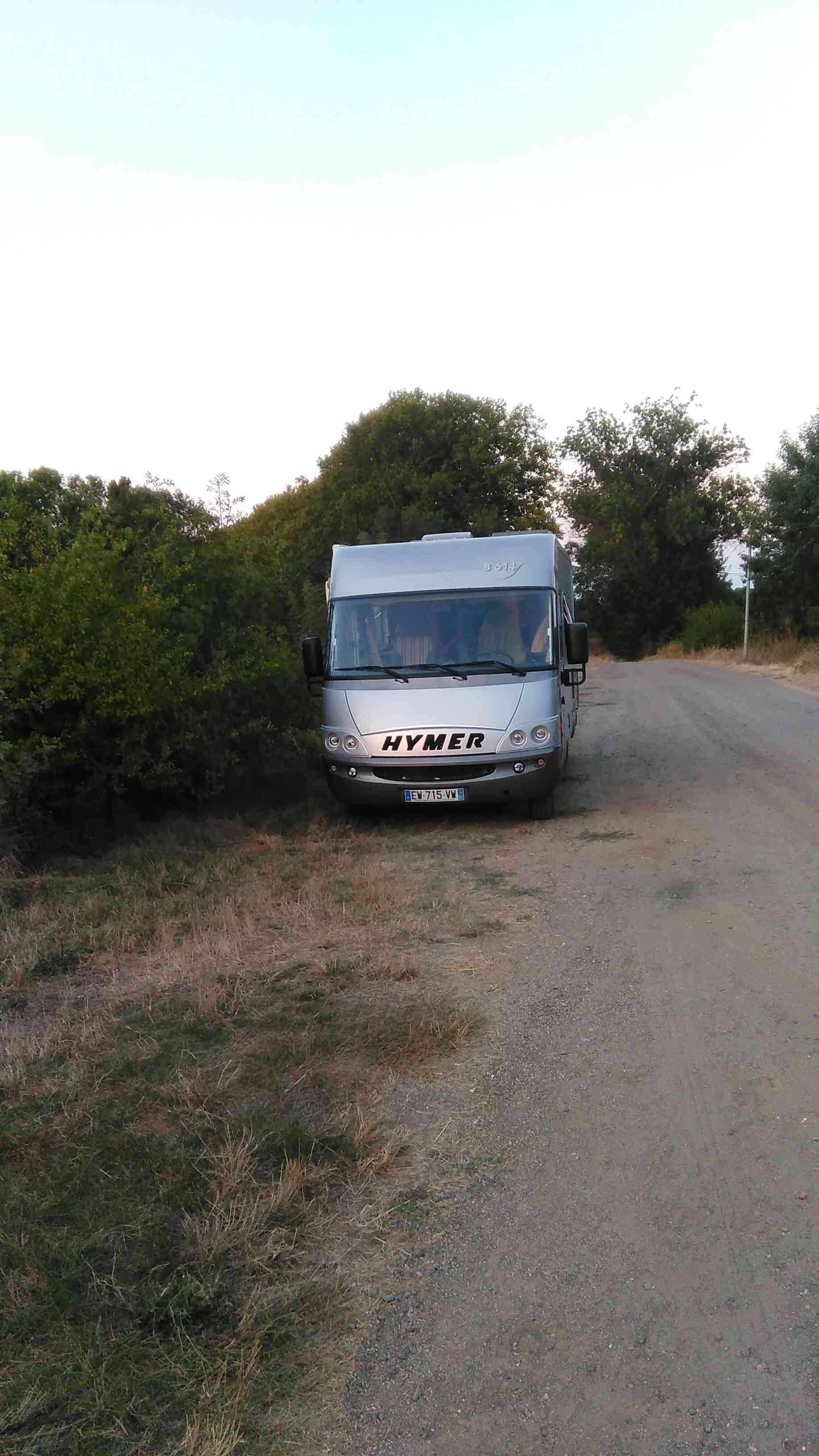 camping-car HYMER B 614  extérieur / arrière