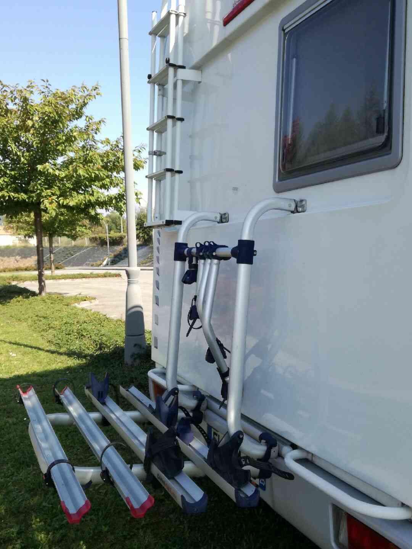 camping-car AUTOSTAR   extérieur / latéral gauche
