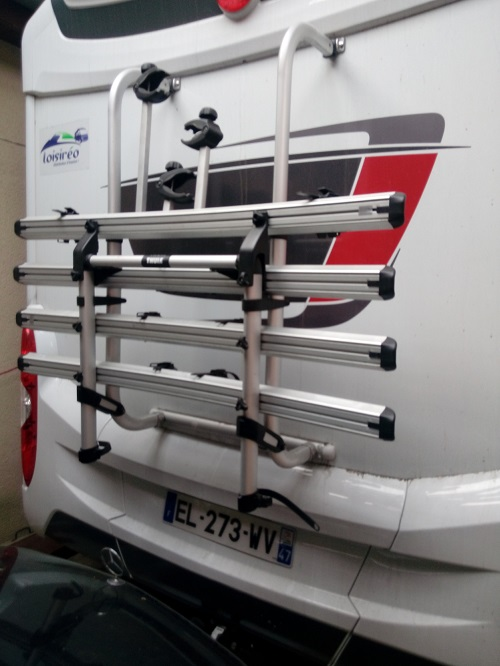 camping-car BURSTNER I 727  intérieur / coin salon