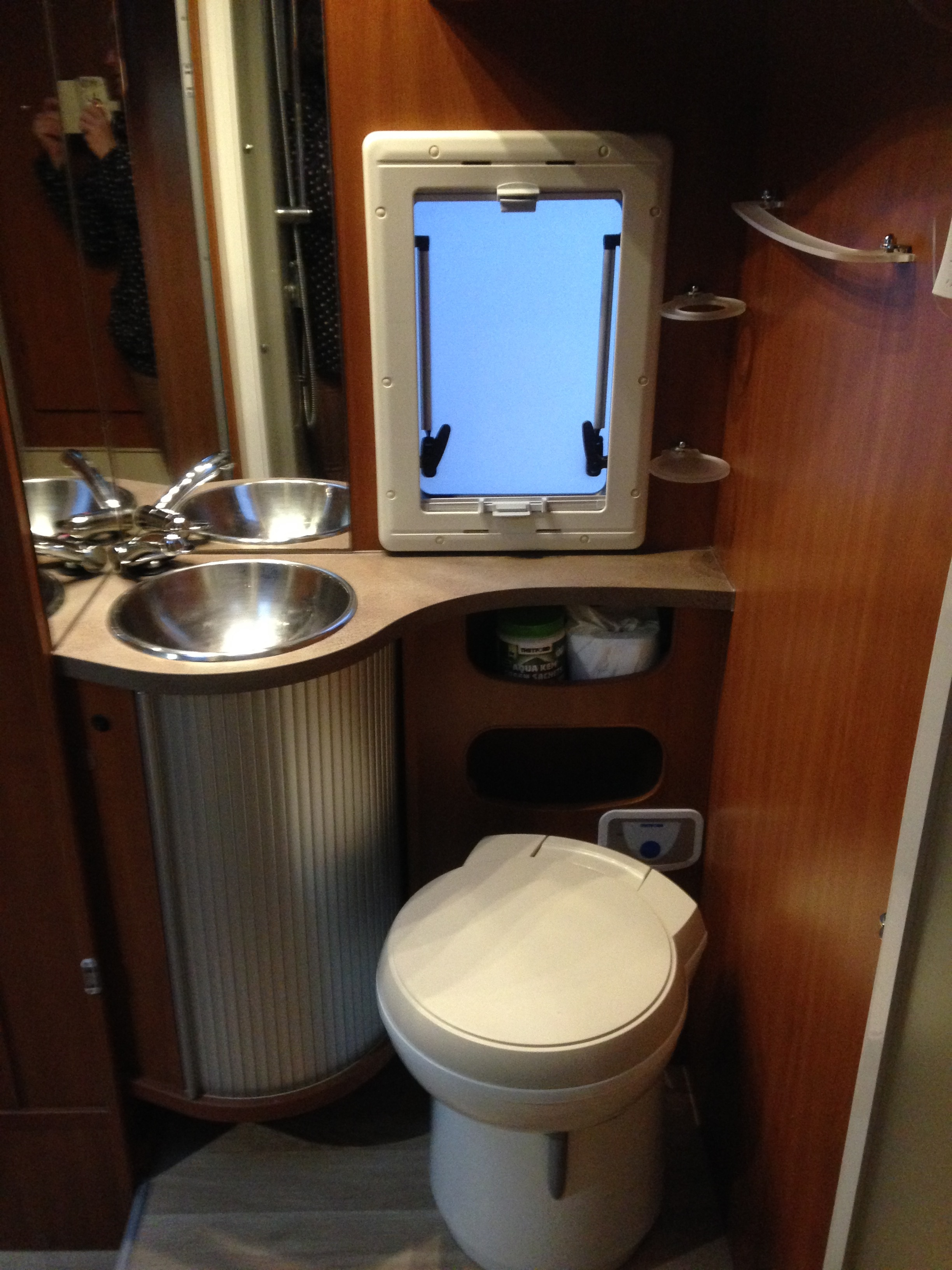 camping-car CHAUSSON  welcome sweet 2l3 Mjet
