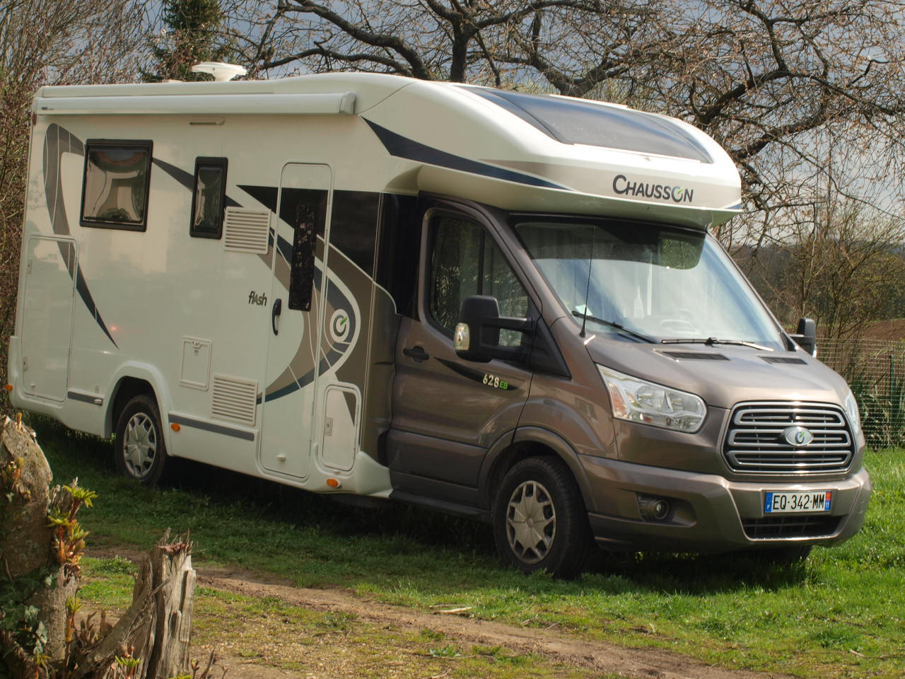 camping-car CHAUSSON FLASH 628 EB  extérieur / arrière
