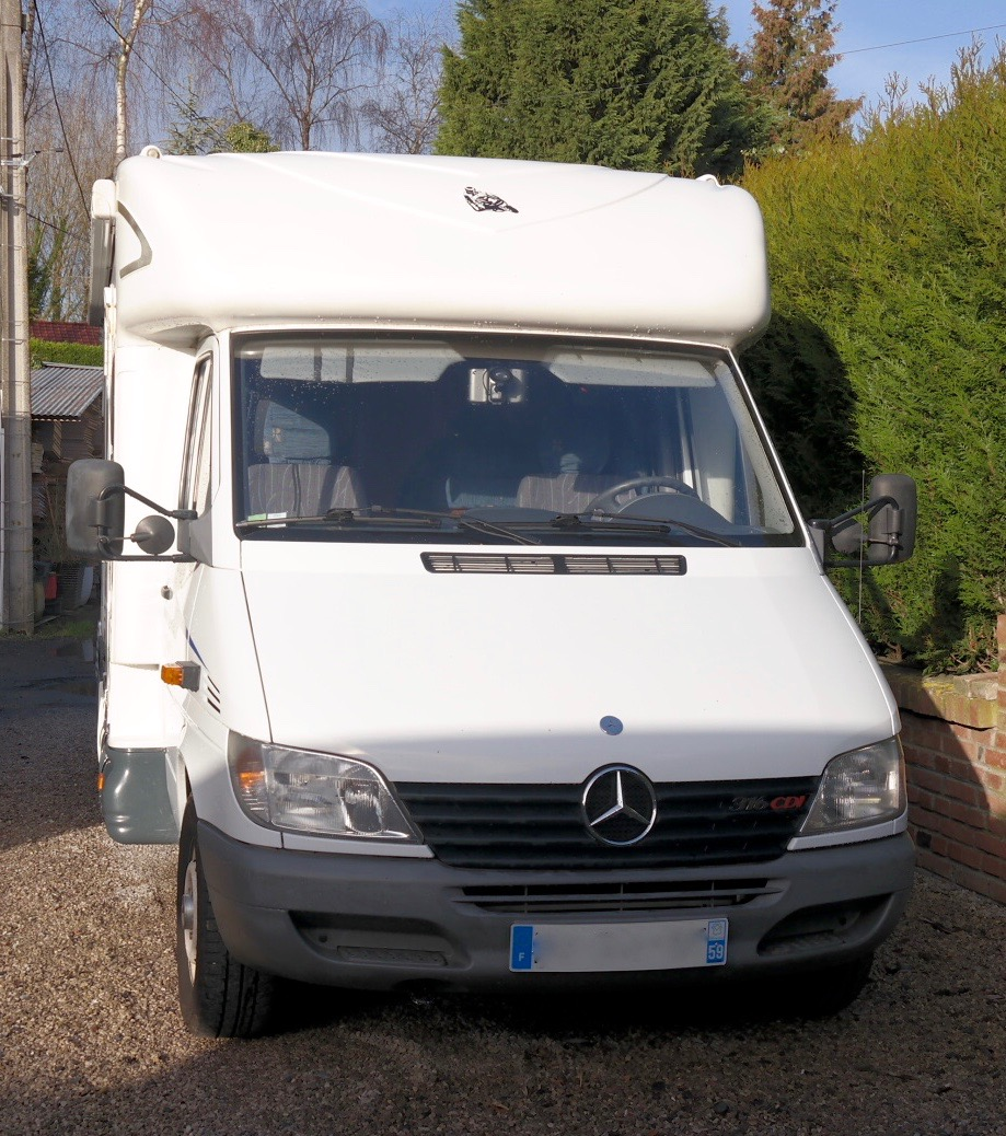 camping-car CI (Caravans International) CIPRO 55  extérieur / latéral droit