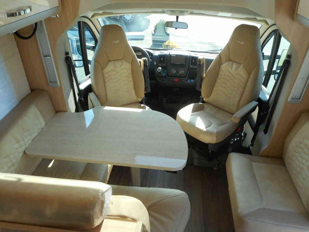 camping-car BURSTNER IXEO IT 734 30 ANS  intérieur / autre couchage