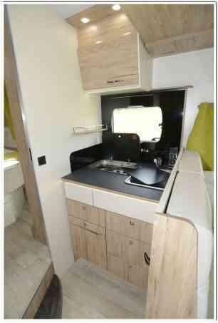camping-car bavaria   T706C style  intérieur / autre couchage