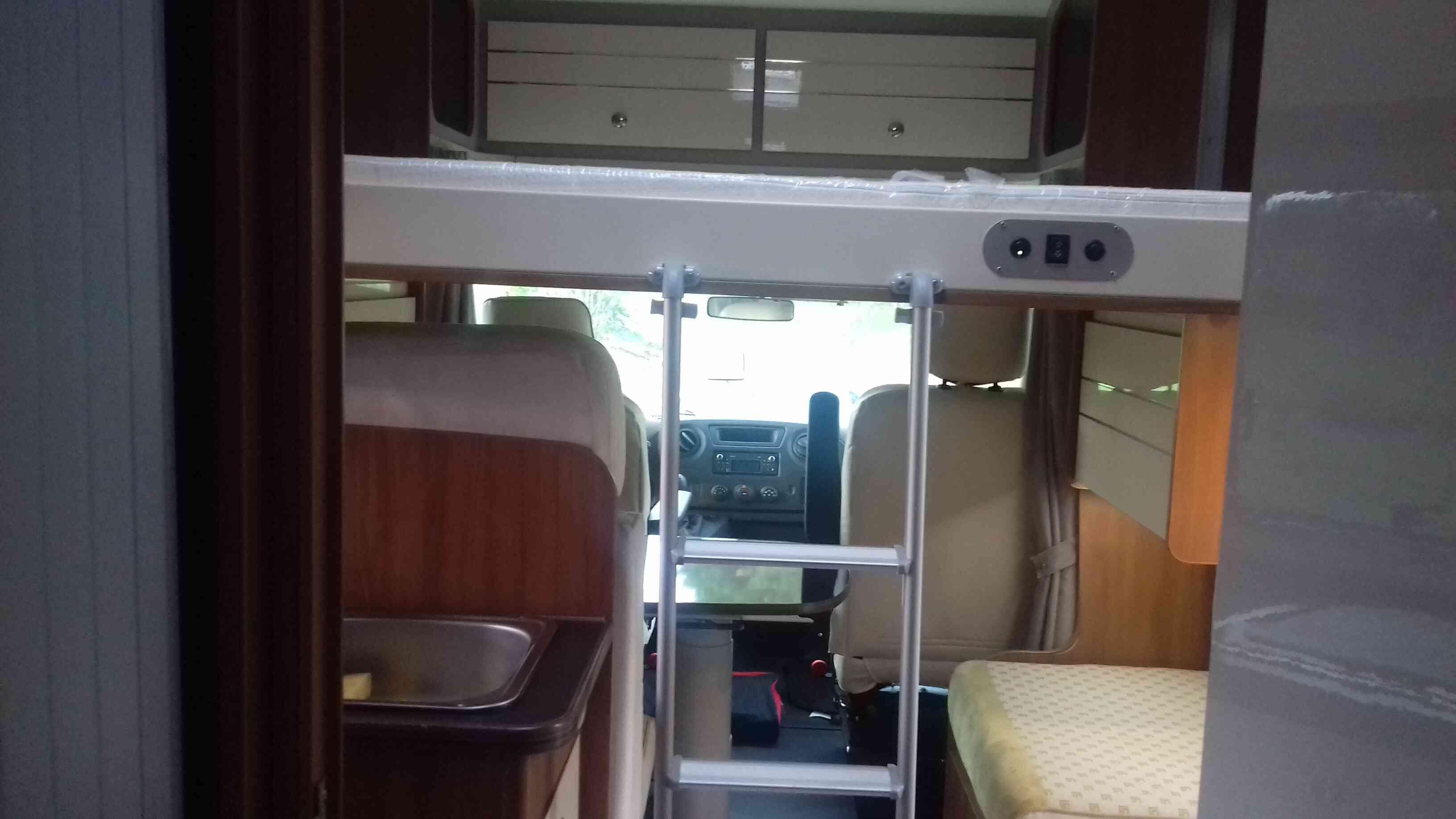 camping-car  RIMOR  KATAMARANO  intérieur / soute