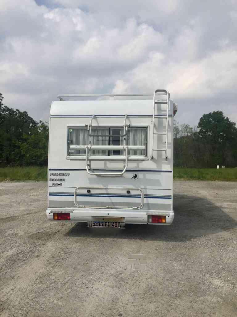 camping-car PILOTE 65 PX  intérieur / coin salon