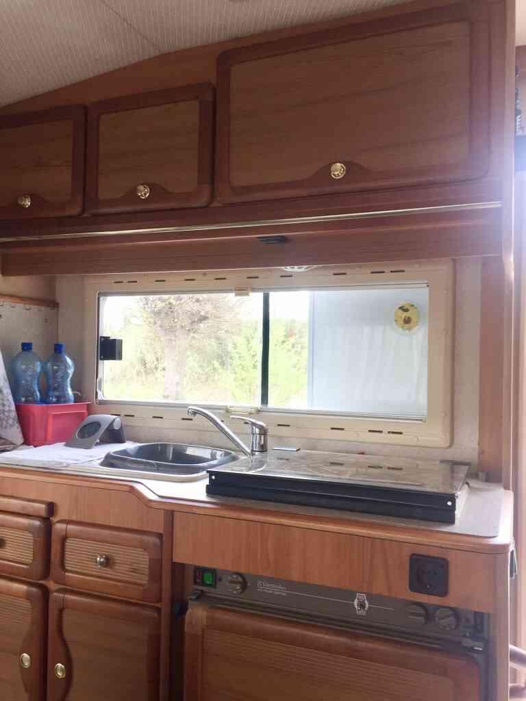 camping-car PILOTE 65 PX  intérieur / soute