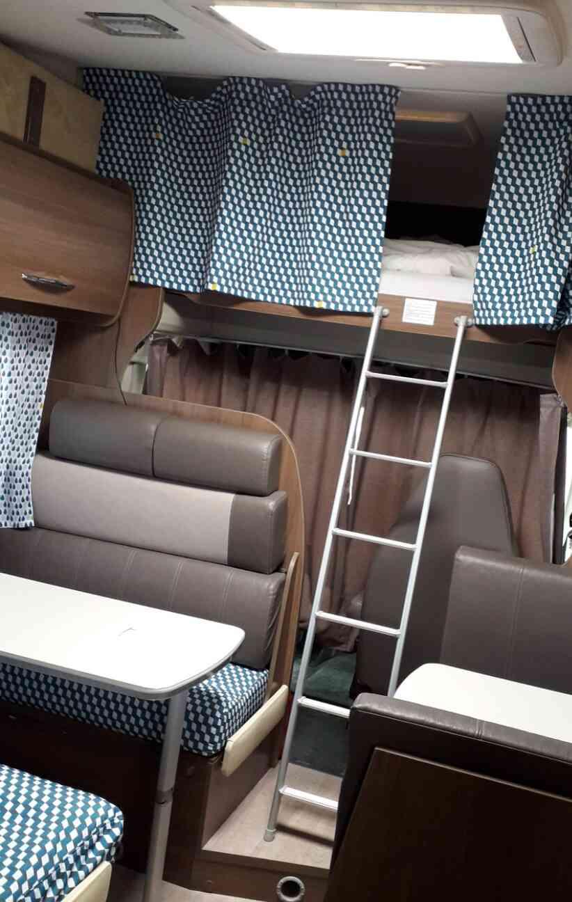 camping-car CHAUSSON FLASH C 636  extérieur / latéral droit