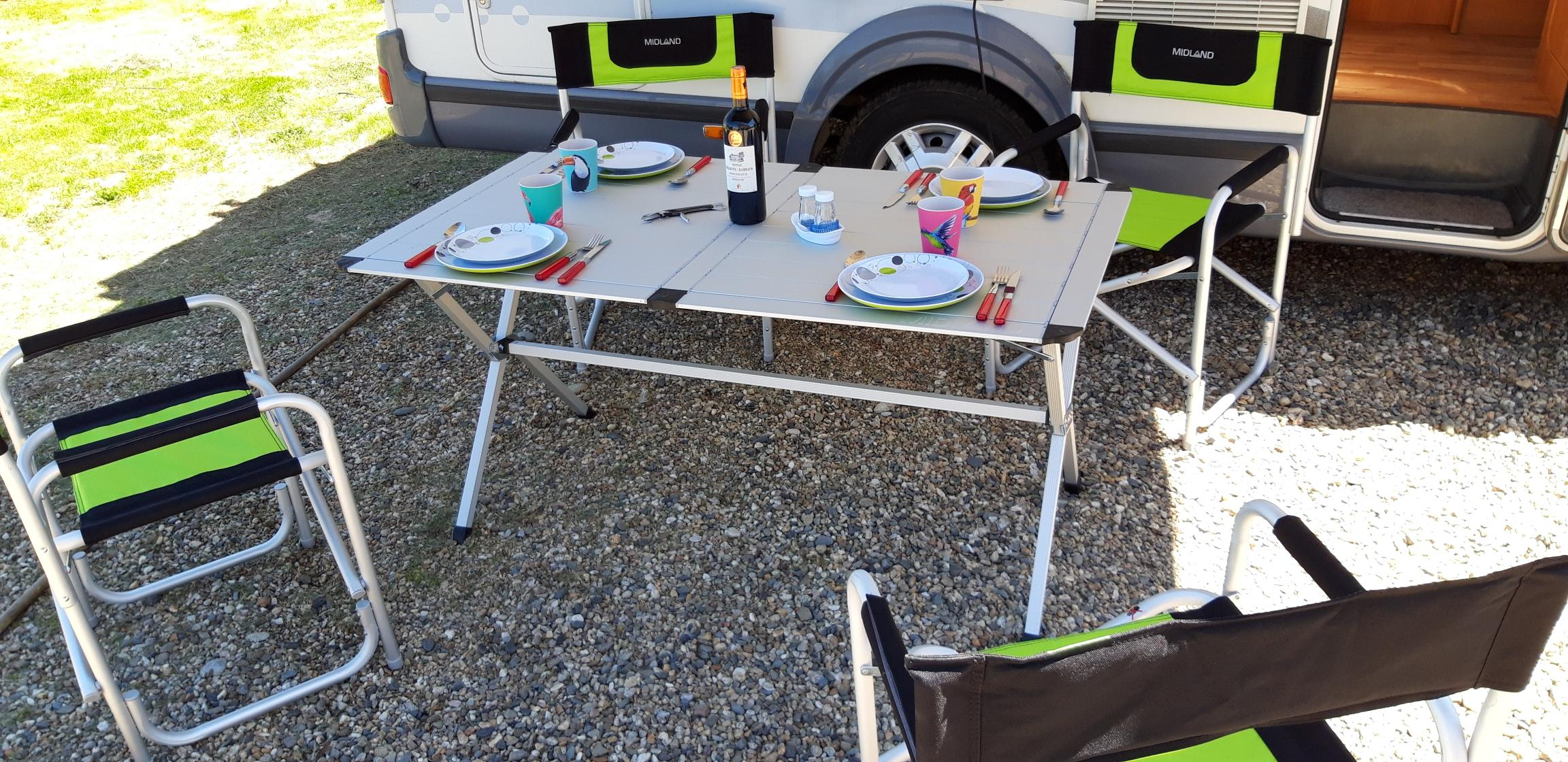 camping-car CHALLENGER MAGEO 107  intérieur / coin salon