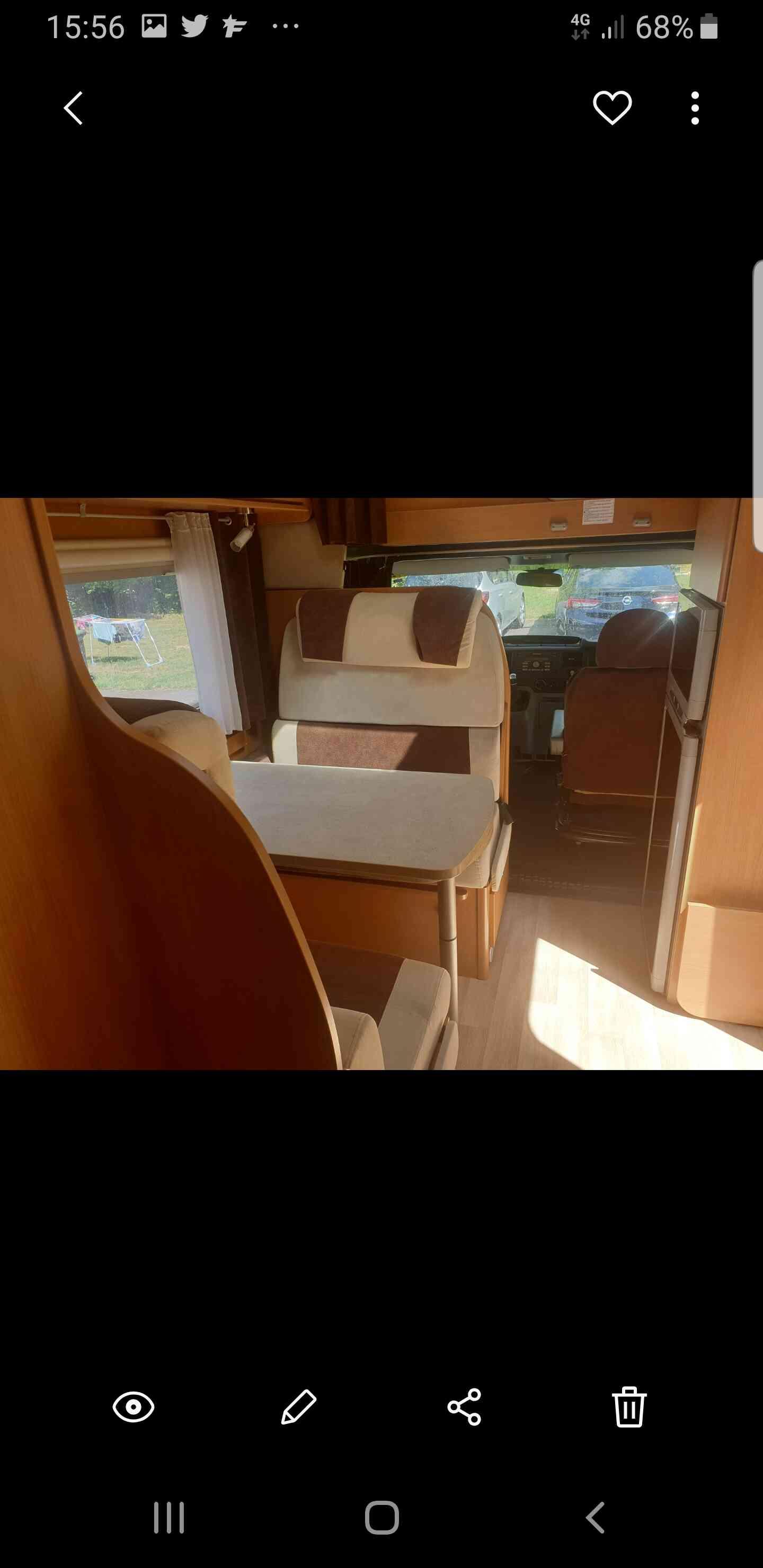 camping-car CHALLENGER 43 GF  intérieur  / coin cuisine