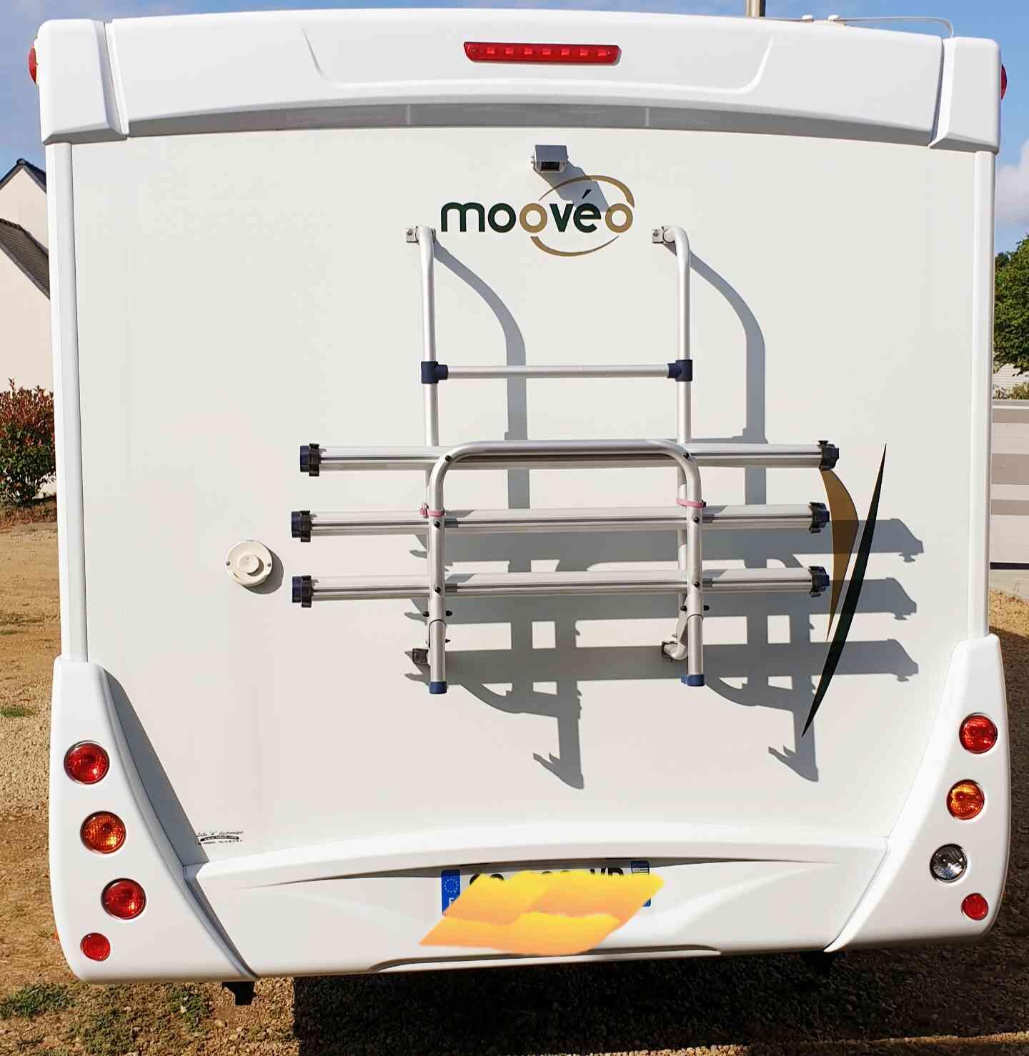 camping-car MOOVEO  P6  intérieur / coin salon