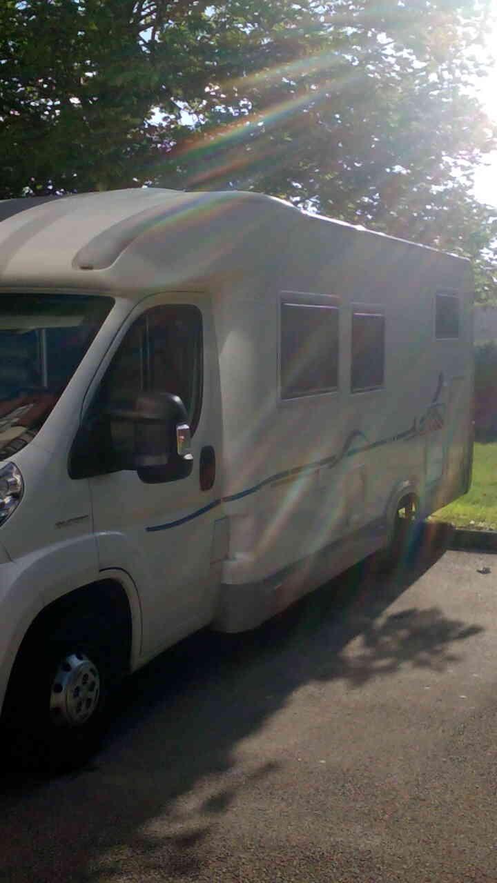 camping-car ADRIA CORAL 660 SL  extérieur / latéral droit
