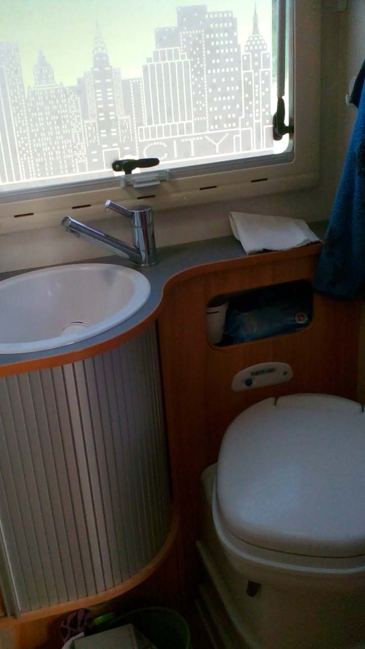 camping-car ADRIA CORAL 660 SL  intérieur / autre couchage