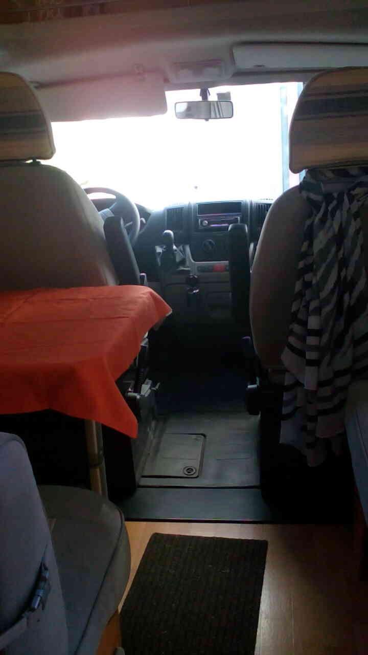 camping-car ADRIA CORAL 660 SL  intérieur / soute