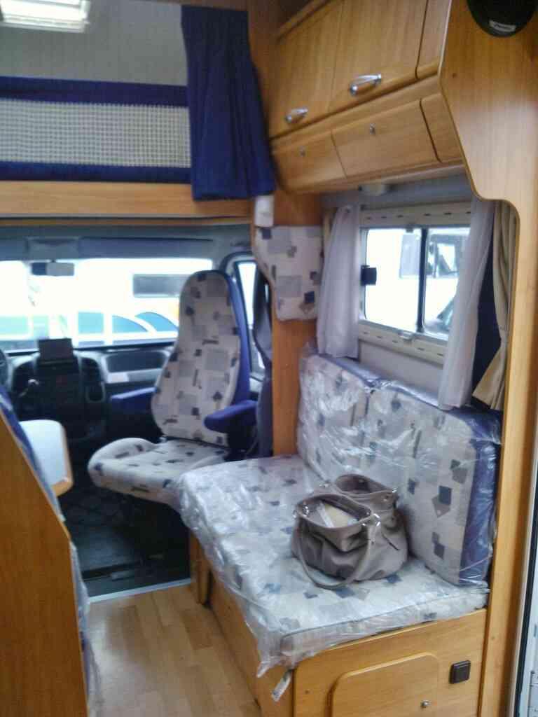 camping-car ADRIA  660 SP  intérieur / soute