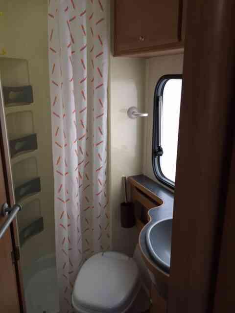 camping-car TRIGANO ELLIOT 55  intérieur / couchage principal