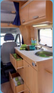 camping-car ADRIA SPORT 576 DK  intérieur / soute