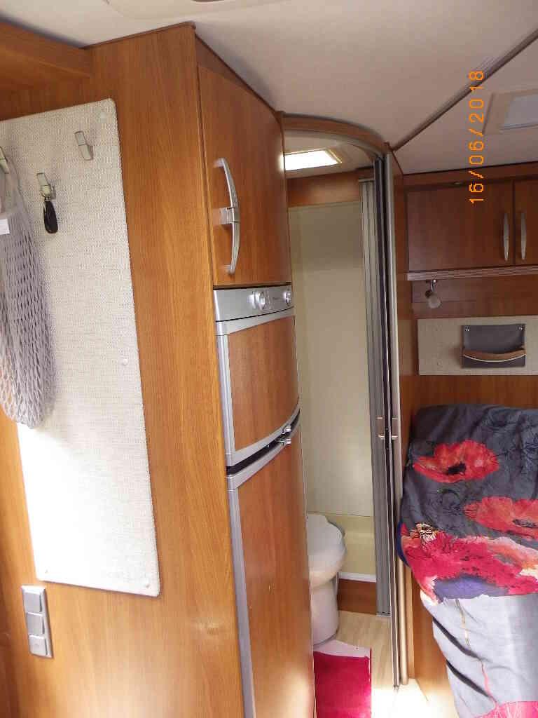 camping-car ERIBA EMOTION 553  intérieur / soute