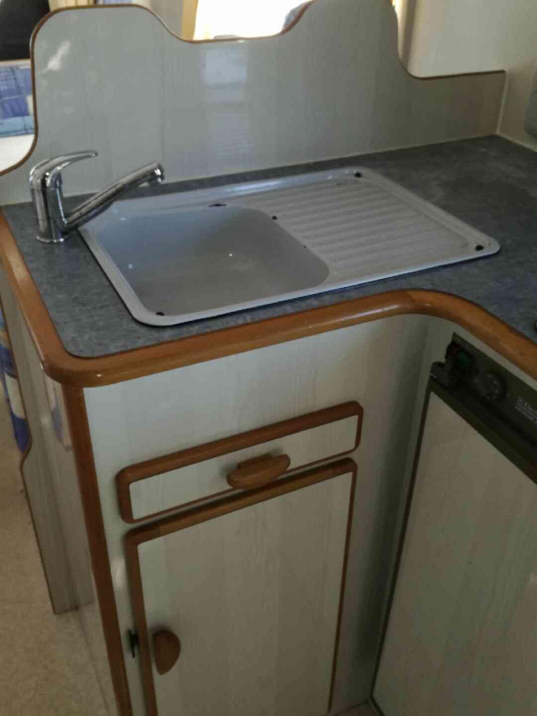camping-car AUTOSTAR   intérieur / salle de bain  et wc