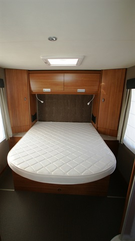 camping-car ITINEO MB 740  intérieur / autre couchage