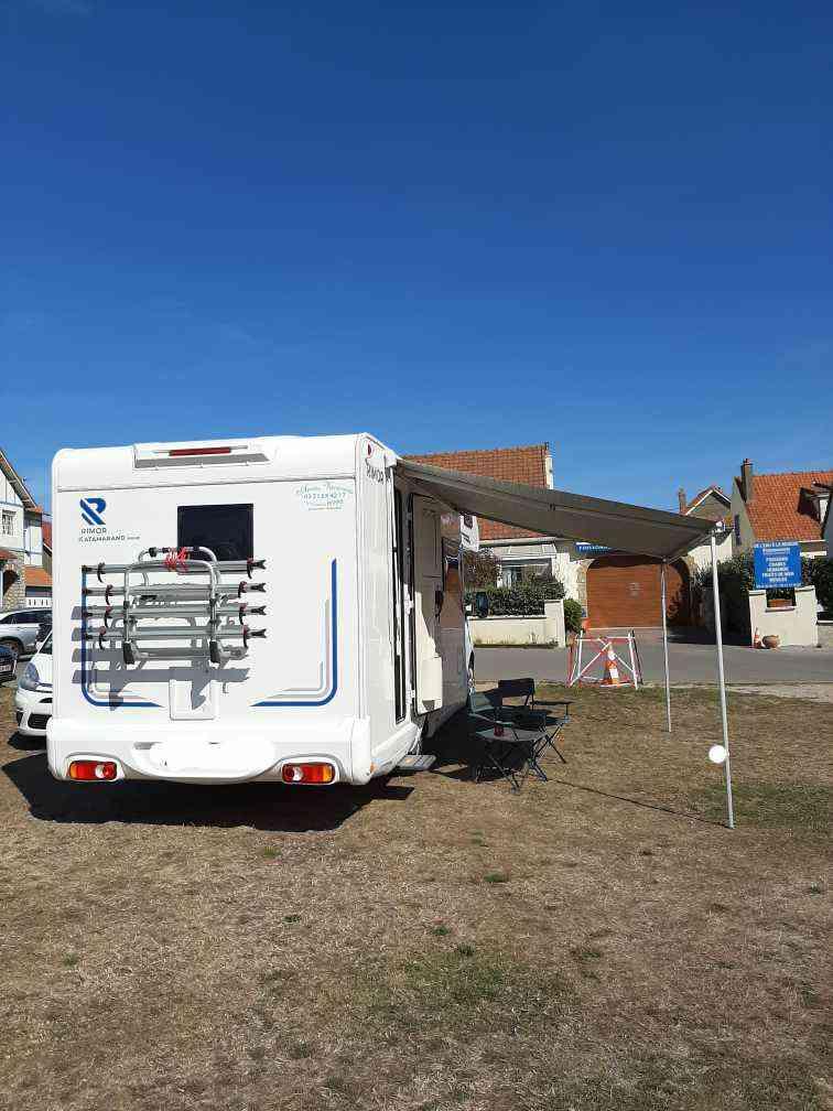 camping-car RIMOR KATAMARANO  extérieur / latéral droit