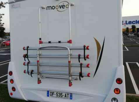 camping-car  MOOVEO 16TC  intérieur / coin salon