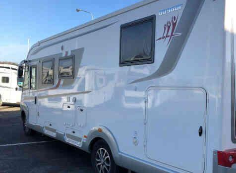 camping-car RAPIDO 8096 DF  extérieur / latéral droit