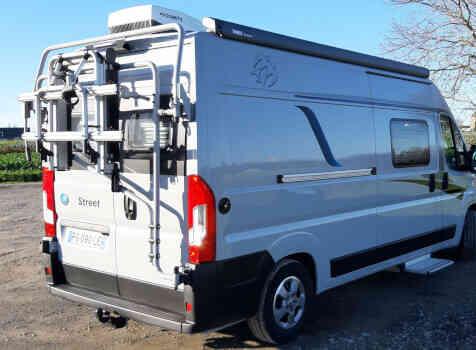 camping-car KNAUS BOXSTAR 600 STREET   extérieur / arrière