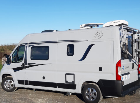 camping-car KNAUS BOXSTAR 600 STREET   extérieur / latéral droit