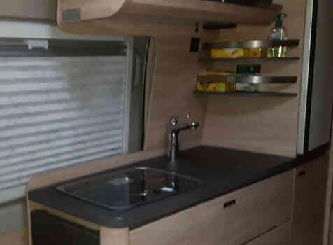 camping-car KNAUS BOXSTAR 600 STREET   intérieur / salle de bain  et wc
